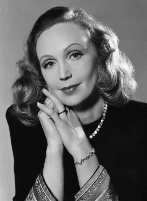 Skådespelerskan Inga Tidblad, 1943. Foto Kerstin Bernhard, Nordiska museet