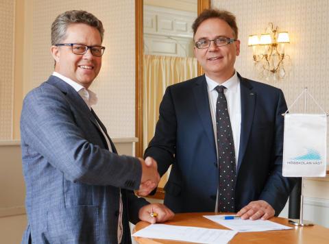 Unikt avtal om Kommunakademin Väst undertecknat