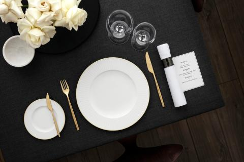 Elegant relief in Premium Bone Porcelain – the Château Septfontaines collection infuses a modern aesthetic with classic style elements