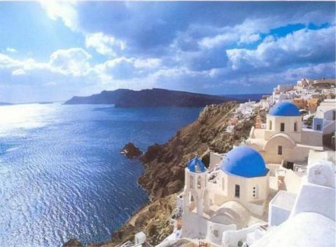 A frequent traveller's tale in Santorini & Naxos
