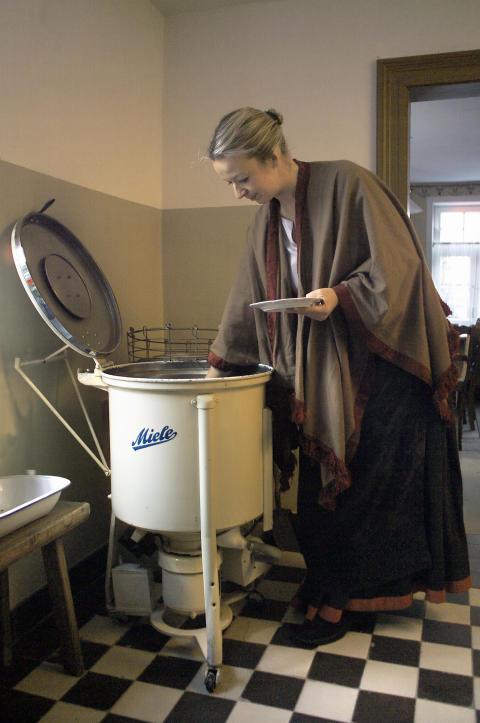 Miele först med elektrisk diskmaskin redan 1929 - 80-årsjubel med ny energisnål och tyst diskmaskin