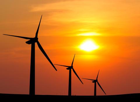 Torrt väder och lite vind har gett högre elpriser