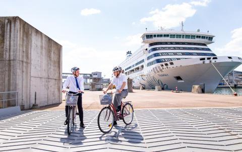 Neue Fahrradspur im Terminal D des Tallinner Hafens