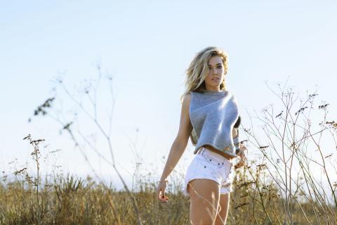 """Rachel Platten gör Billboardsuccé med """"Wildfire"""" och kommer till Sverige"""