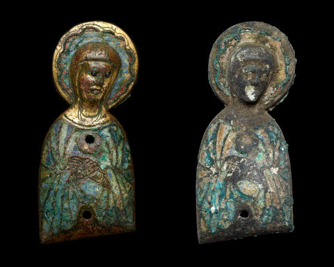 Unik Jomfru Maria-figur fundet under kirkegulv