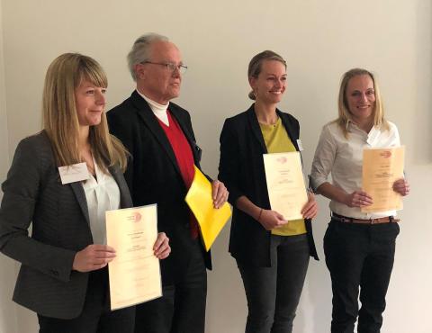 Preis für humane Nutzung der IT in der Pflege an Masterabsolventin Janine Breßler