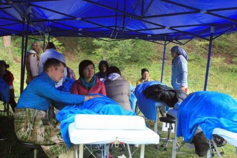 """""""Die Menschen waren freundlich und dankbar für unsere Hilfe""""/  Interview: Wiesbadener Osteopath und VOD-Mitglied Oliver Berner zur Behandlung in Kirgistan"""
