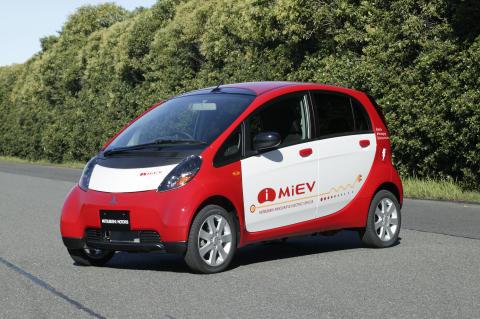 Mitsubishis el-bil till Sverige i april2