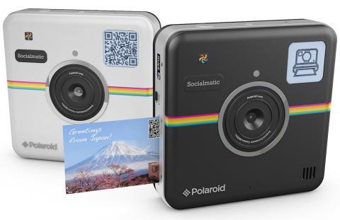 Polaroid ökar inom foto, både vad gäller  omsättning och produktsortiment