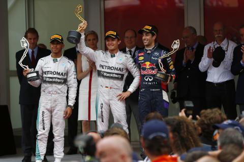 Ett depåstopp - vinnande strategi i Monacos GP