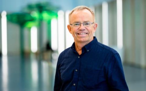 Professor Peter Strang Årets Cancernätverkare