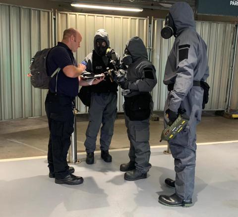 Met officers on scene 2