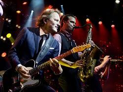 Över 75.000 sålda biljetter till Ledins krogshow på Rondo i Göteborg. Nu släpps 12 extraföreställningar i april 2012