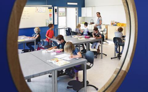 4 av 10 elever sitter obekvämt i skolan – kan påverka prestationen