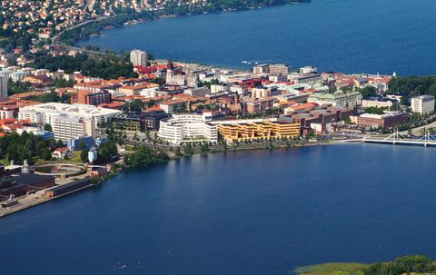 Studenter från Högskolan i Jönköping får jobb snabbt efter examen