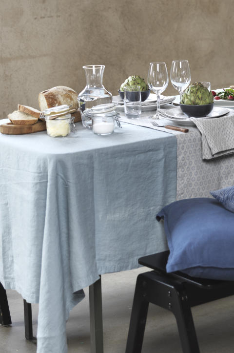 917329  Table Cloth Washed Linen