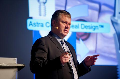 Prof. Pjetursson beim PEERS-Jahrestreffen 2014