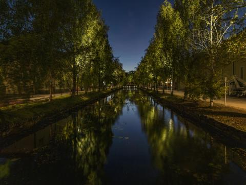 Jubileumsinstallationen, en världsunik ljusinstallation som förbättrar ljuskvaliteten i Alingsås