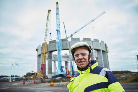 Platschefen Per-Erik Petersson är nöjd med att ringen äntligen är på plats.