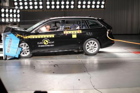 Skoda Octavia frontal offset impact test Dec 2019