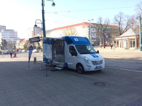 Beratungsmobil der Unabhängigen Patientenberatung kommt am 11. September nach Frankfurt (Oder).