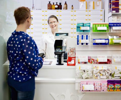 Kronans Apotek köper apotek av Apotek Hjärtat