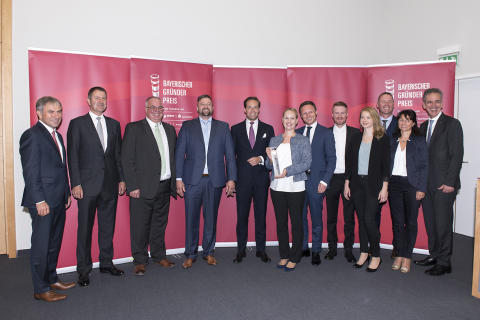 Stadtsparkasse München gratuliert ihrem Kunden flissade zur Auszeichnung mit dem Bayerischen Gründerpreis