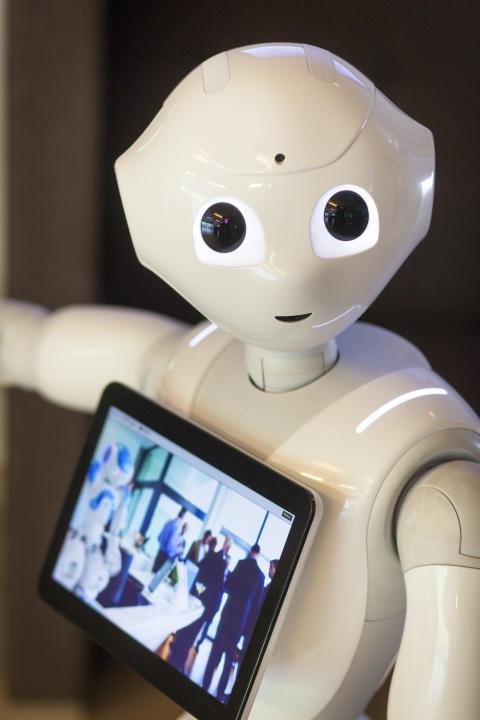 Robot Pepper @ Living Tomorrow