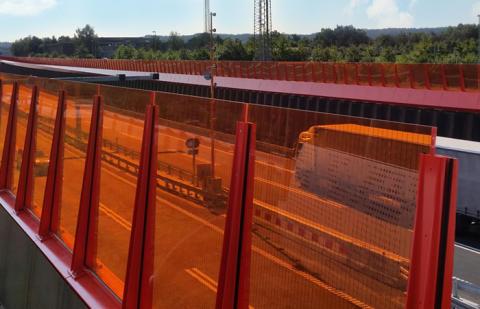 225 ton Plexiglas Soundstop till nyinvigda motorvägen i Silkeborg