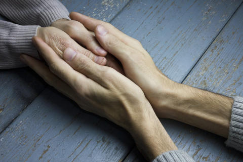 Stärkt stöd till personer med demenssjukdom