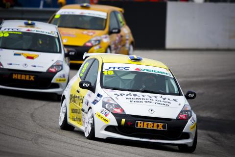 Seger och serieledning för Fluch i Clio Cup JTCC