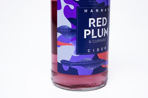 Crossover Creative lyfter Hannas cider med ny design.