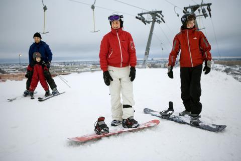 Gratis skidåkning i Hammarbybacken inleder sportlovet