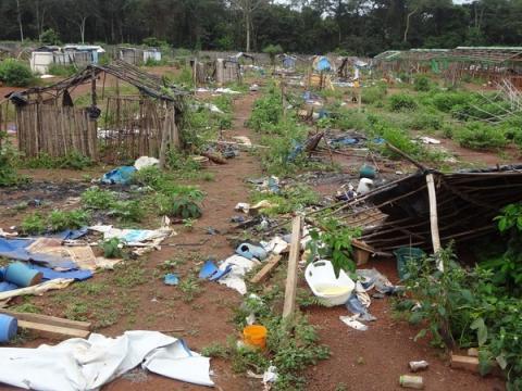 Elfenbenskusten: Misstänkta massgravar måste grävas upp