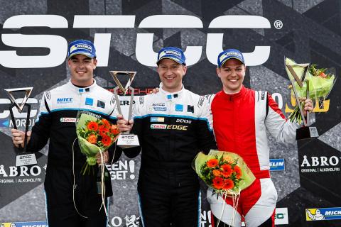 Närmast perfekt Skövdehelg för Dahlgren och 40:e STCC-segern för Richard Göransson