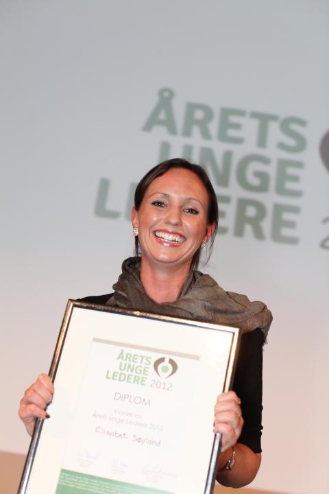 Elisabet Søyland er kåret til Årets Unge Leder