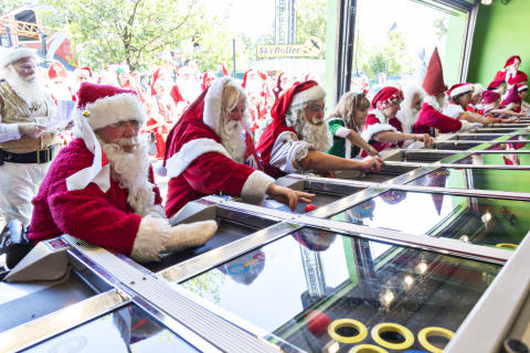 Julemændene i Femkamp på Bakken