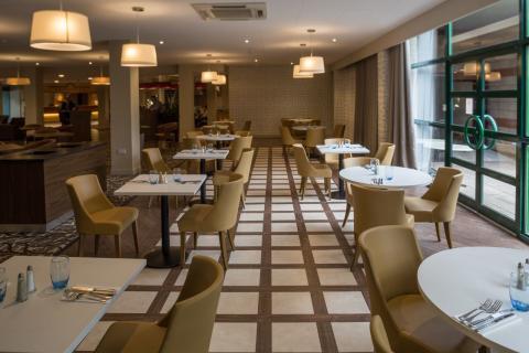 Clarion Cedar Court Wakefield Hotel, Wakefield, Yorkshire, UK GB218Restaurant-1