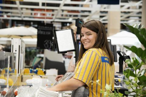 IKEA siger tak til trofaste medarbejdere med 11.700 kr.