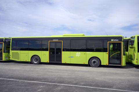 67 av bussene er to-akslede Crossway LE Line laventré.