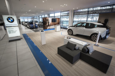 Showroom BMW Solna