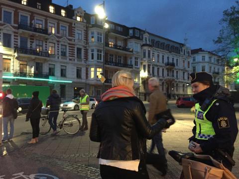 På stan med Polisen för fler synliga trafikanter