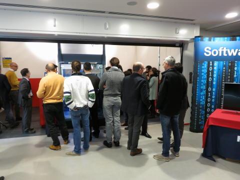 """Hamilton, Italia, (18 Dicembre 2013) – Hamilton Robotics amplia il proprio portafoglio prodotti grazie all'introduzione sul mercato del nuovo sistema di automazione """"VANTAGE"""""""