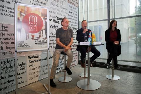 Leipziger Passagenfest - Pressegespräch mit (v.l.): Dr. Alfred Weidinger (Museum der bildenden Künste), Thomas Paarmann (Paarmann Dialogdesign) und Susanne Höhne (Beuteltier Art Galerie)