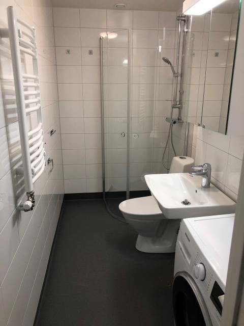 Nyrenoverat badrum i Säteriet i Mölnlycke - ett projekt av allmännyttiga Förbo AB