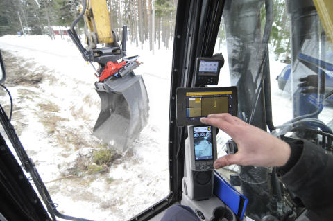 Automatic tilt angle for Trimble's users with tiltrotator from Rototilt