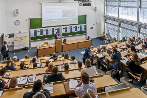 TH Wildau stellte auf der Industriekonferenz 2017 Forschungen zu Digitalisierungsprozessen und der zukünftigen Rolle des Menschen vor