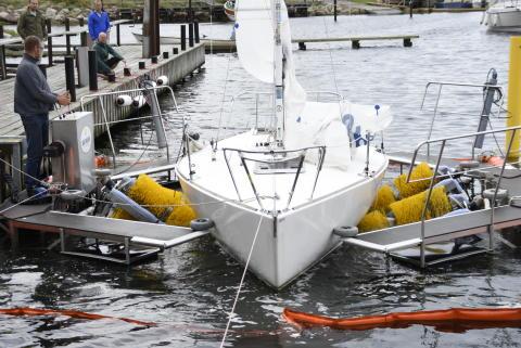Båtborsttvätten i Limhamns småbåtshamn