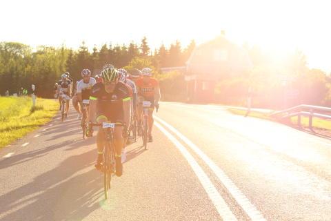 Så kan du bevaka cyklisterna i Vätternrundan