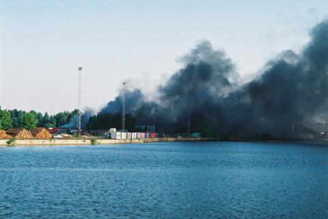 Oväntat stora utsläpp vid bränder i flamskyddat material